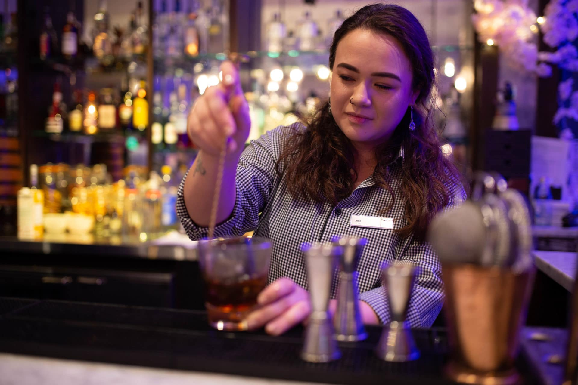 How to become a career bartender - Mixologist at the Hilton metropole Bar