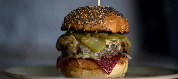 Burger at Lucky Beach, Chef De Partie role