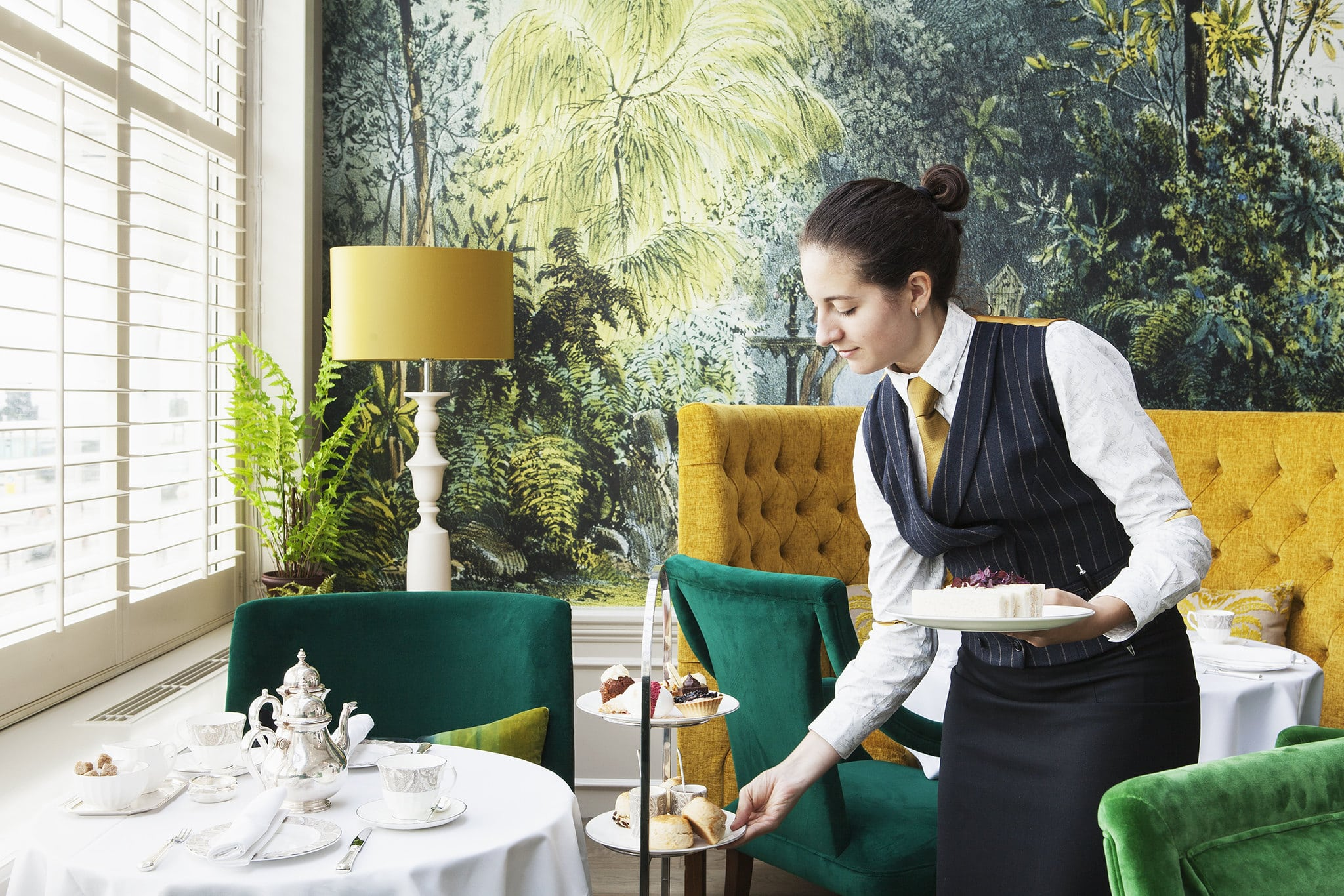 The Grand Lady Waiter