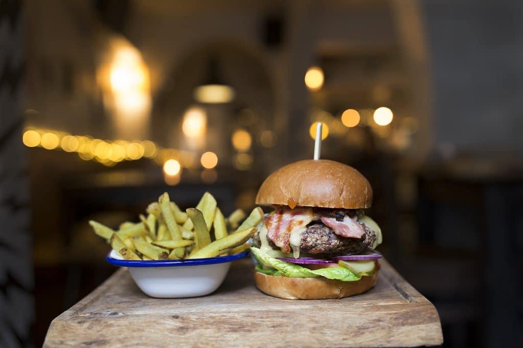 Burger at Black Lion Pub Brighton ,food pubs Brighton - Gastro Pubs Brighton
