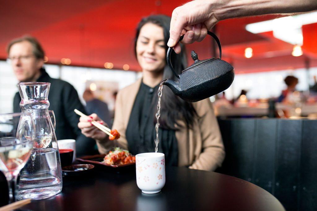 Serving-Green-Tea-at-Moshimo-Restaurants-Brighton