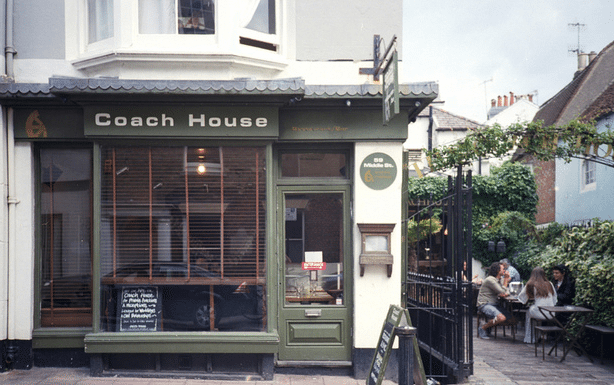 The Coach House Restaurant Brighton Bar Outdoor Terrace Middle St