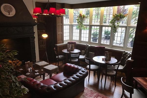Hove Place, Interior, Pub
