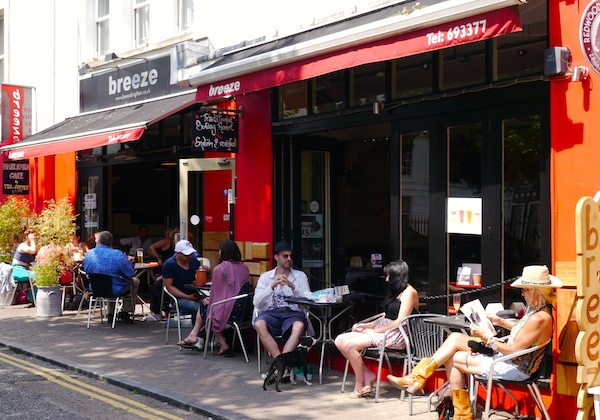 breeze brighton brasserie style restaurant closed