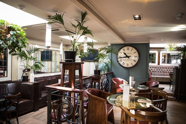 Browns Bar, Brighton