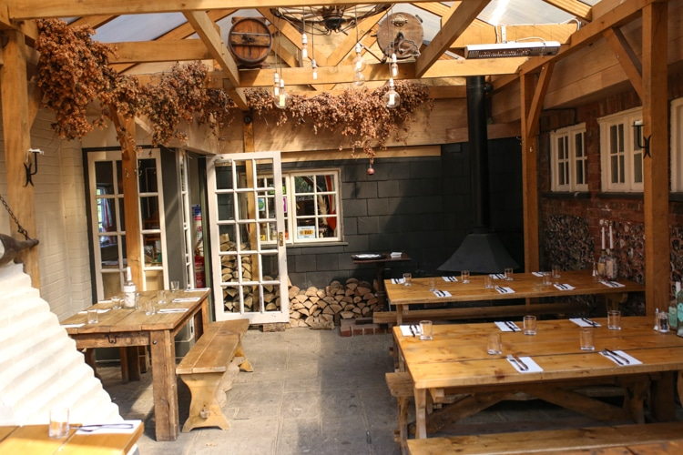 Exterior space - The Shepherd and Dog Fulking