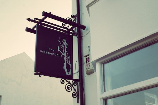 Independent Pub, Brighton, Hanover, Queens Road< Pub food