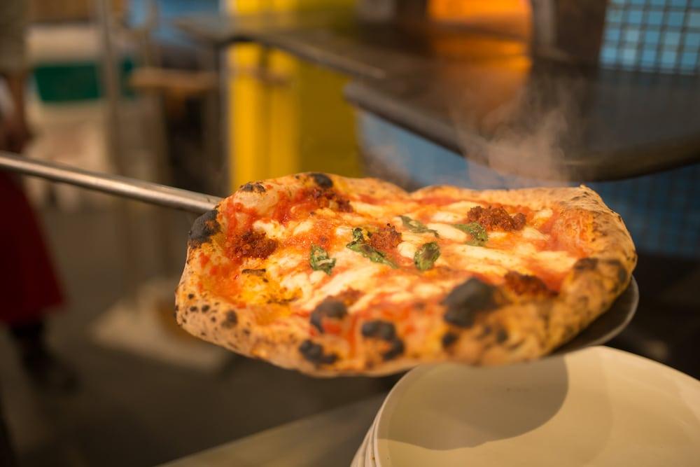 Hot pizza, Brighton pizzeria oven, Nuposto Brighton