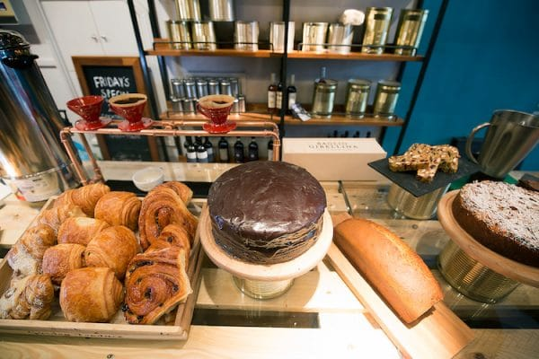 Cake counter - Coffee Break By Edendum