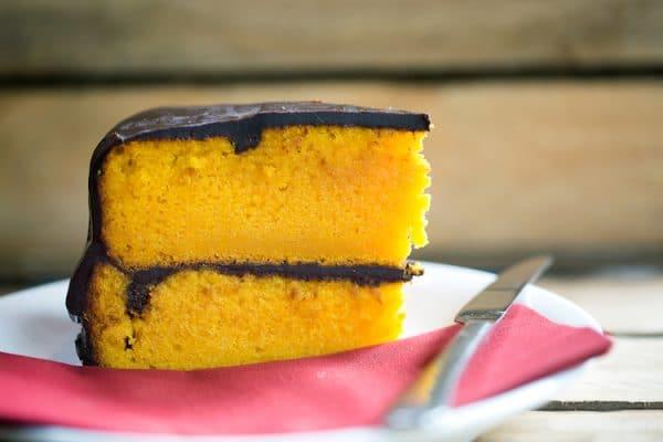 Carrot and Chocolate Cake - Coffee Break By Edendum