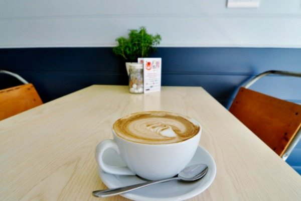 v and h cafe, Holland Road, Brighton, breakfasts and brunches - Hove Restaurants and cafes