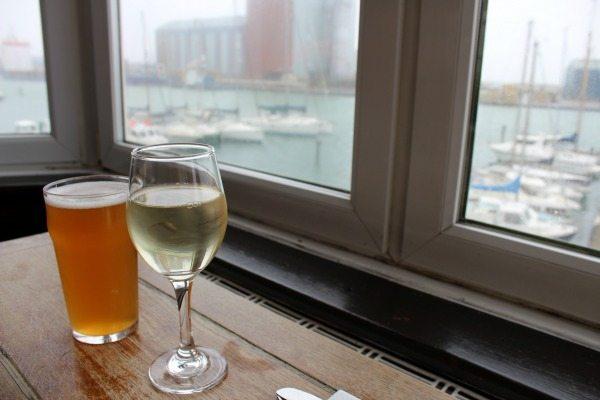 Drinks at the Schooner Pub, Brighton