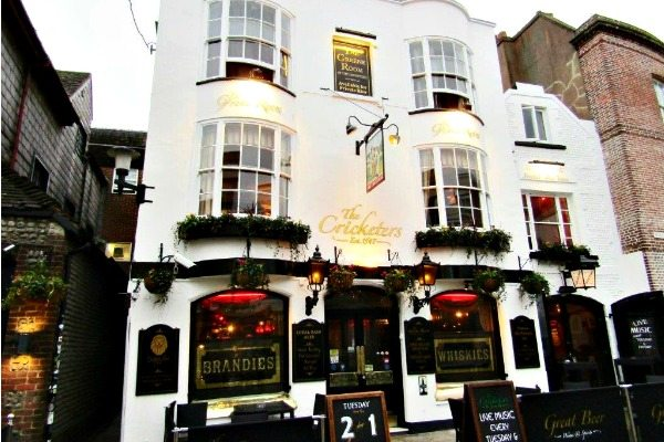 The Cricketers Exterior