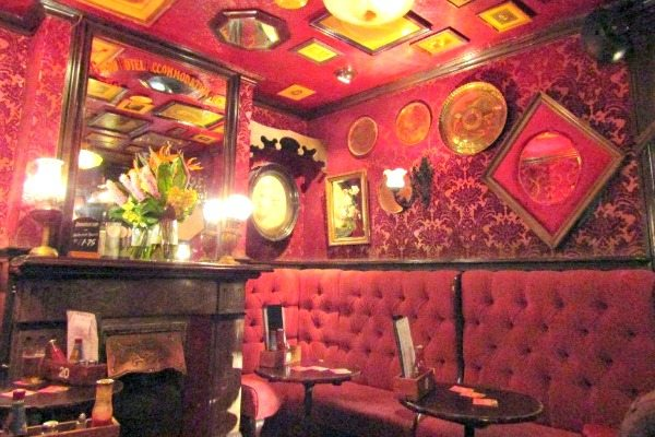 The Cricketers Interior
