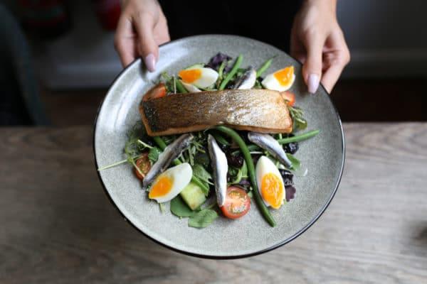 Salad nicoise, food pubs Brighton