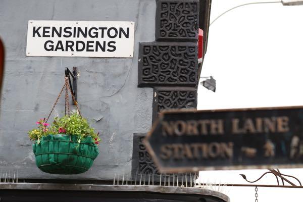 Sign post - Kensington Gardens - How to make Béarnaise sauce, Grow 40, Restaurant, North Laine, Brighton
