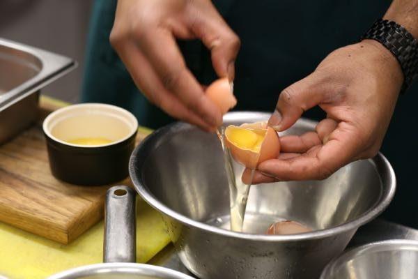 egg yolk separation - How to make Béarnaise sauce, Grow 40, Restaurant, North Laine, Brighton