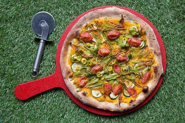 Healthy plant based pizza at Purezza