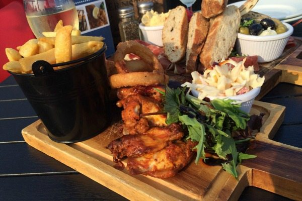 Ohso chicken wings and chips