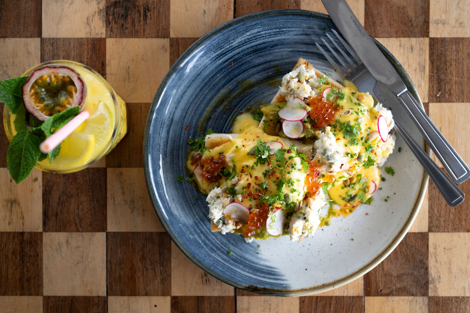 orange juice and eggs benedict
