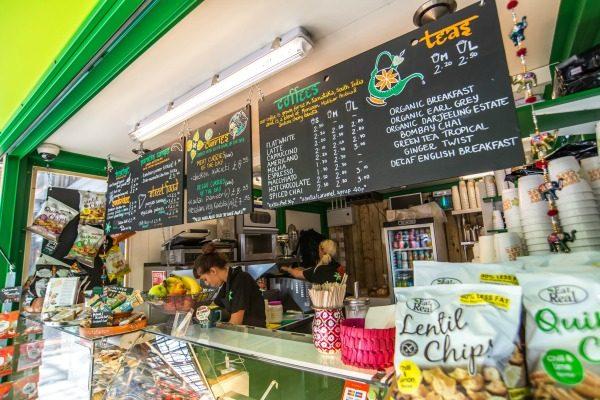 curry leaf cafe at brighton train station