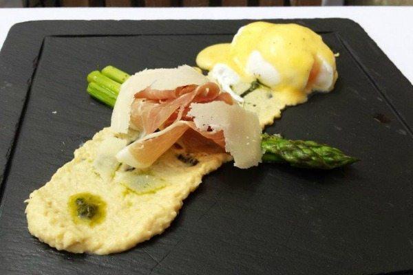 asparagus and egg starter at stanmer house