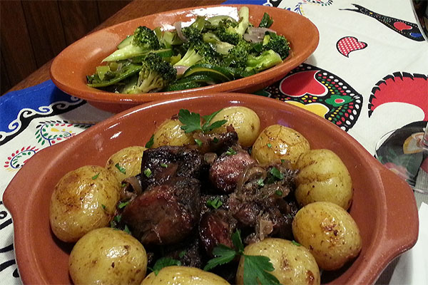 Dina 39 s kitchen authentic portuguese restaurant brighton for Authentic portuguese cuisine