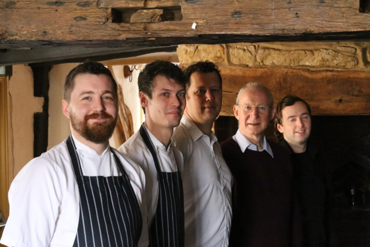 Team shot - Crown Inn Horsted Keynes