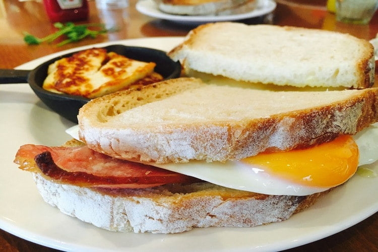 bacon and egg sandwich at cherry tree cafe