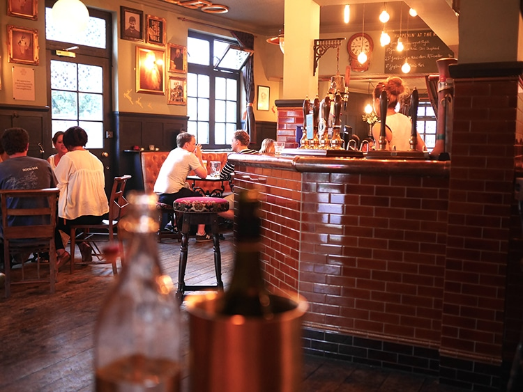 Relaxed atmosphere, The Better Half, Hove, food pub