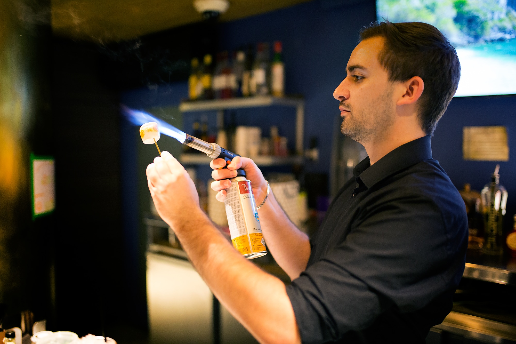 cocktail barman at merkaba
