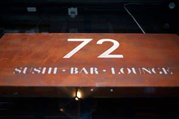 72 Sushi Hove - Window sign
