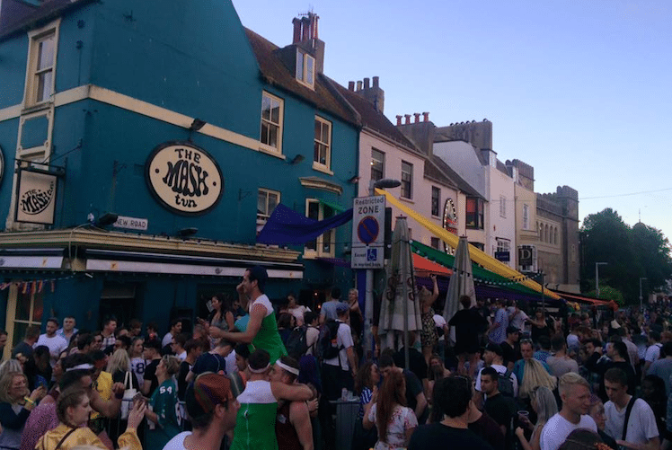 Crowds at The Mash Tun, Brighton Pubs