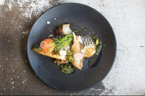 Mange Tout Brighton fish plate