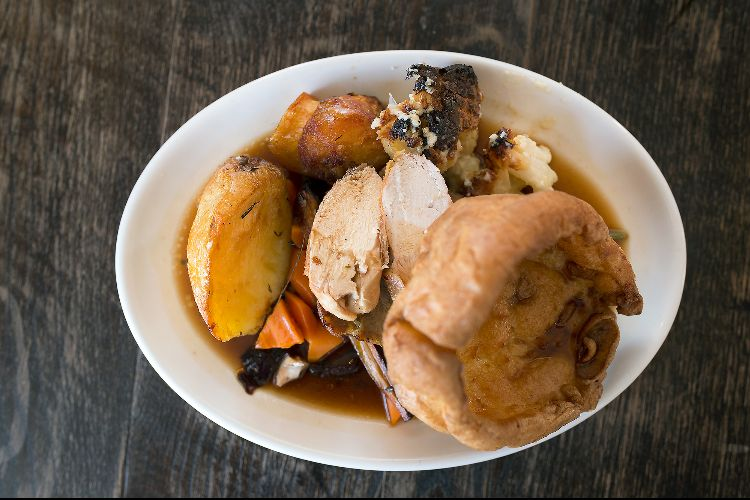 Sunday Roast at The Schooner Southwick