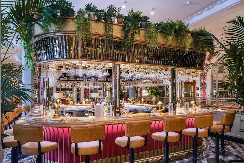 The Ivy Brighton Bar