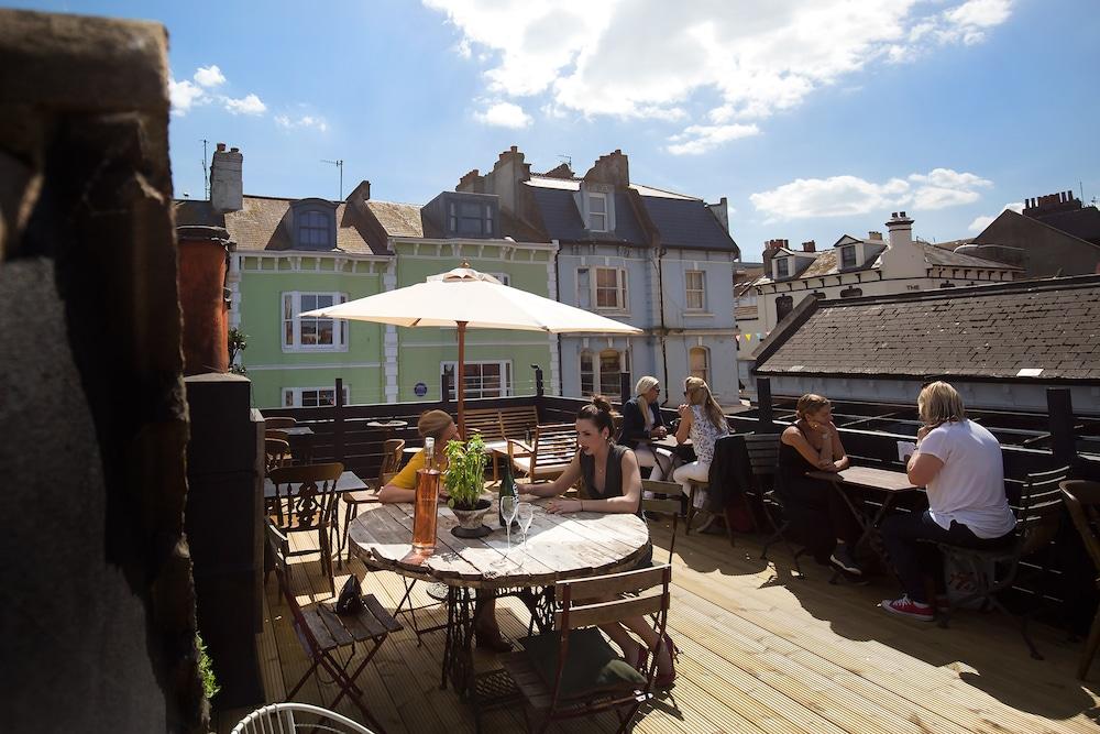 L'Atelier du Vin in Brighton rooftop terrace
