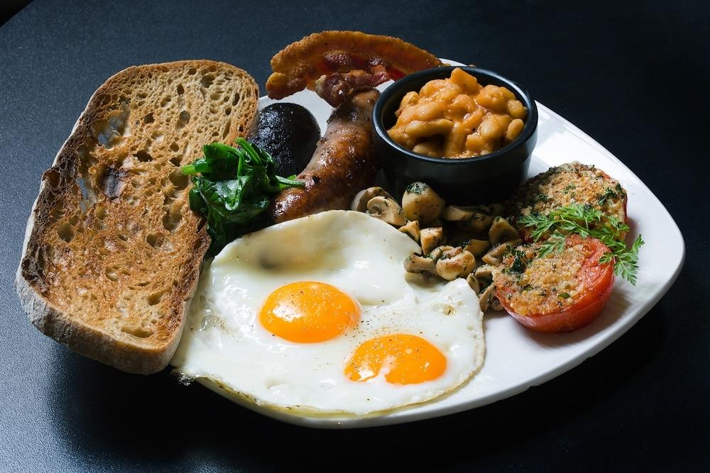 Breakfast at Le-Nantais-Bistro