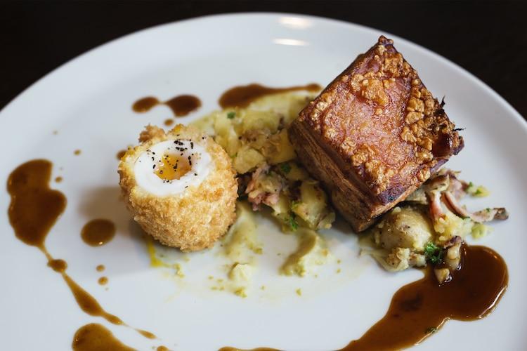 Hilton Brighton Metropole, Waterhouse Bar, Bar food