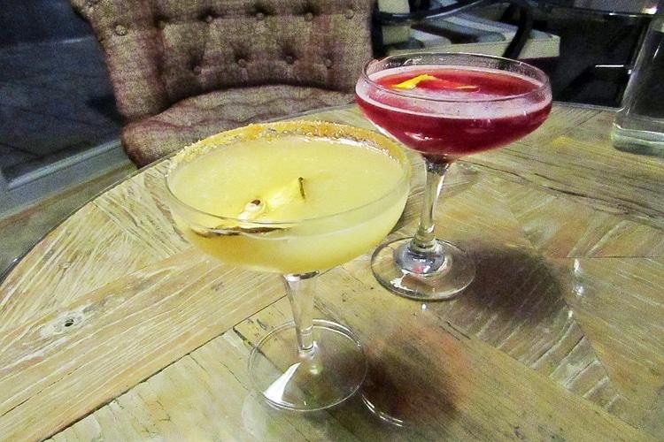 cocktails at harbar