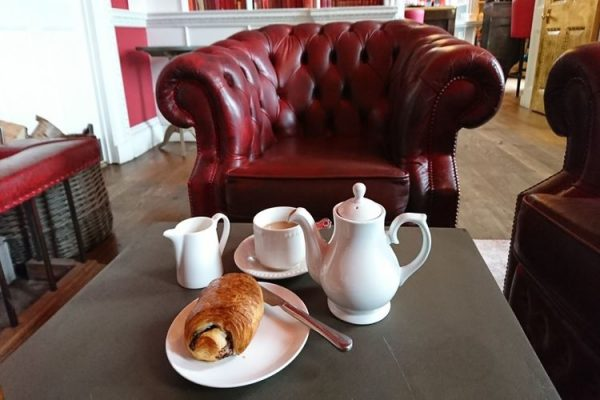 Proud-country-house-breakfast-tea-pastry
