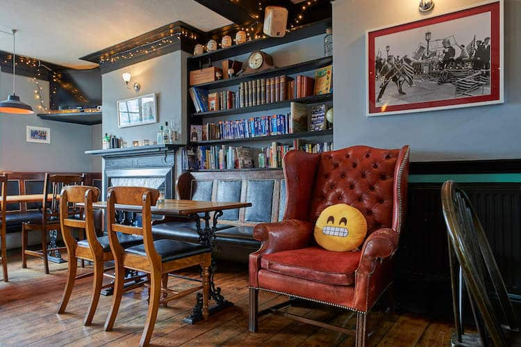 Brighton Pubs - Caxton Arms Brighton