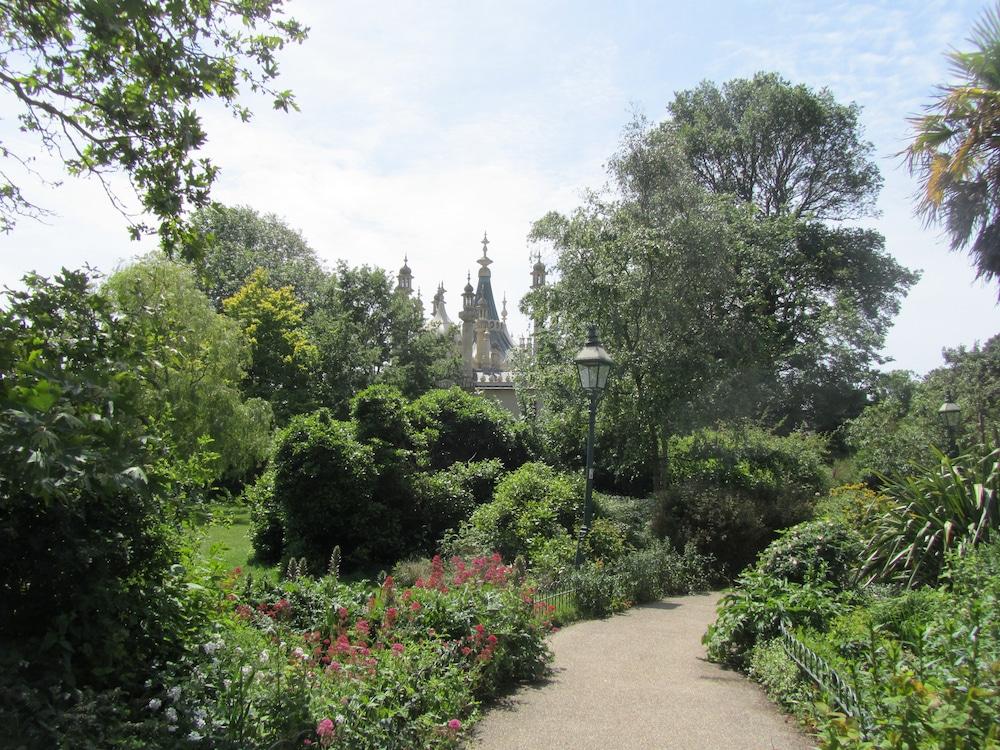 Royal Pavilion Gardens Brighton