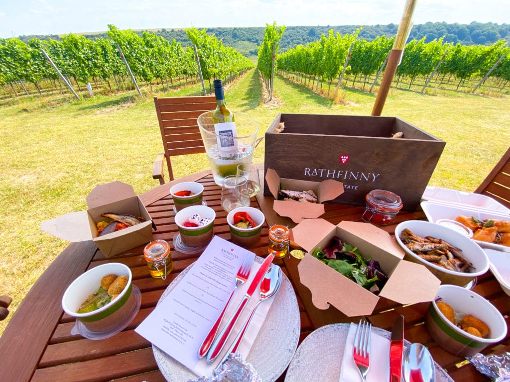 Alfresco dining in a vineyard