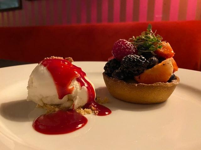 Fruit tart and ice cream