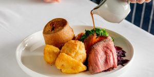 Roast beef, potatoes and Yorkshire puddings