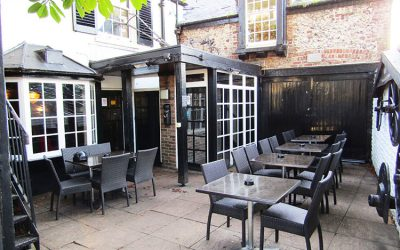 Courtyard for alfresco dining at The Plough Inn