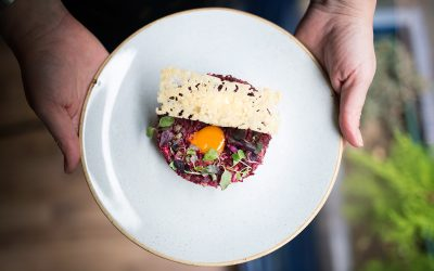 Beetroot tartare, horseradish cream, quail egg yolk and Comté crisp