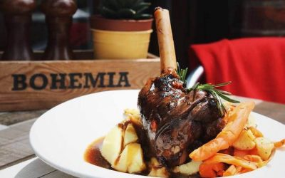 Slow cooked lamb shank with rosemary, mashed potato and gravy.